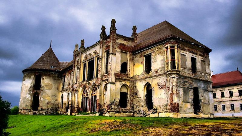 beautiful Transylvania castles in Romania