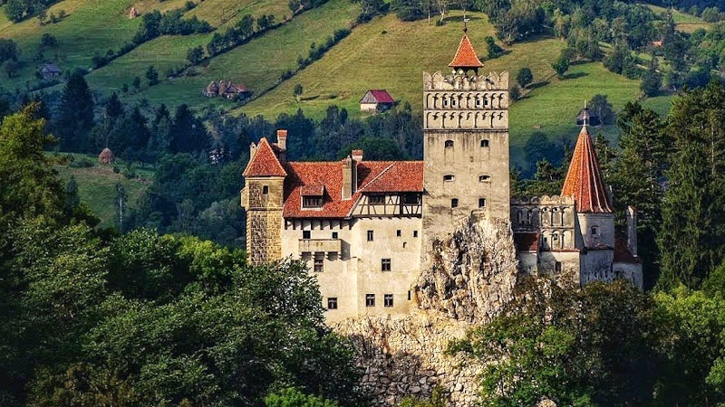 Dracula Castle, the perfect day trip from Bucharest