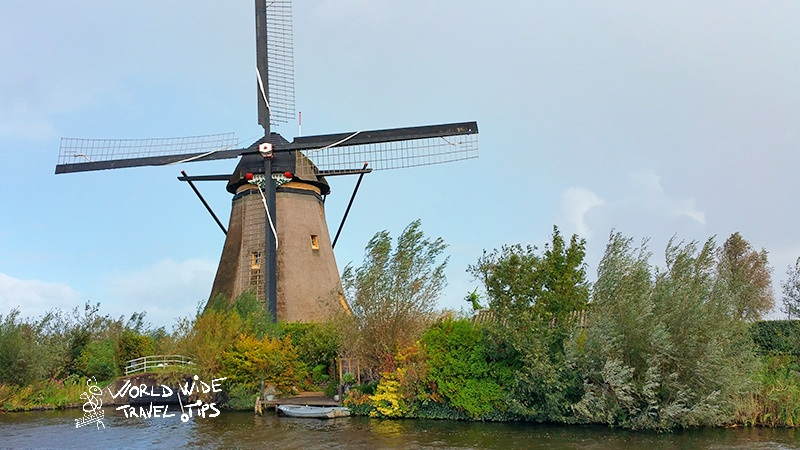 things to do in Netherlands visit Kinderdijk Windmill Park
