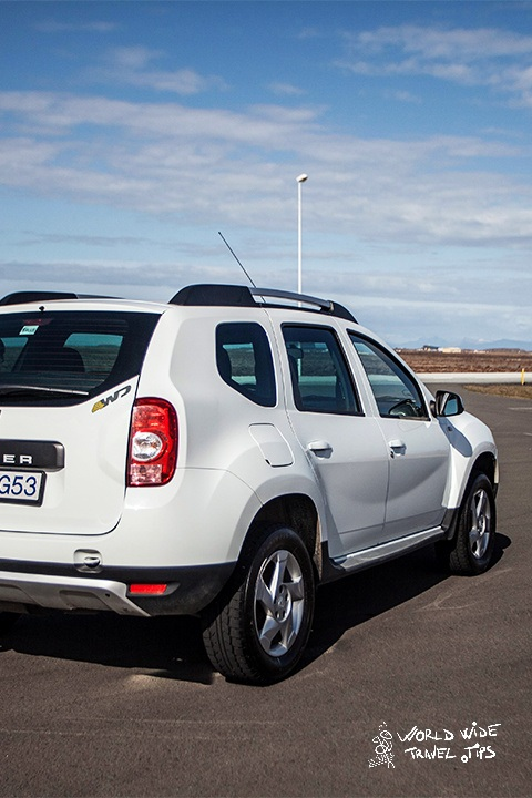 Blue Car Renal Iceland Dacia Duster rent a car