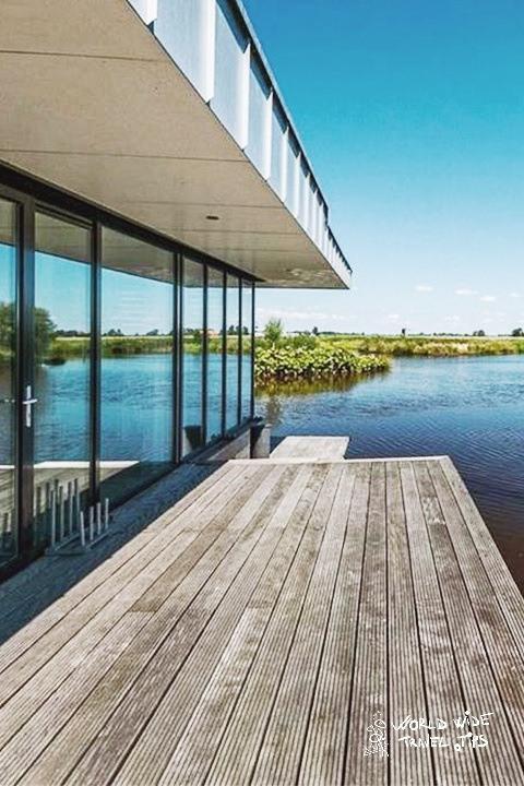 House Boat in Goengahuizen Netherlands