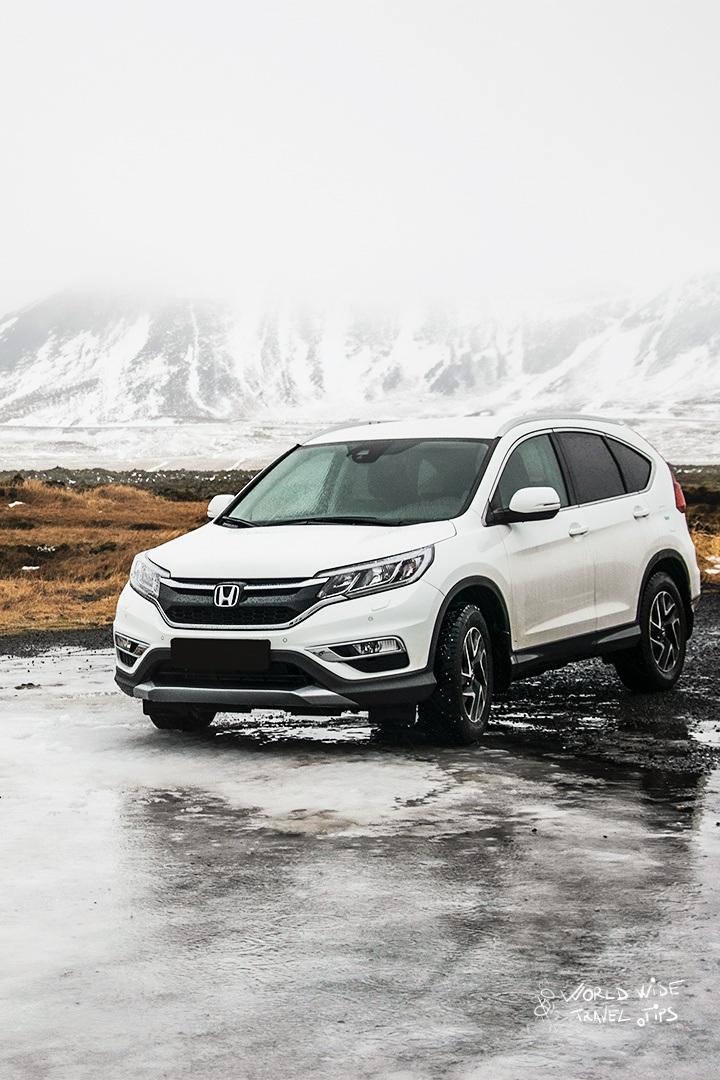 Blue car rentals Iceland