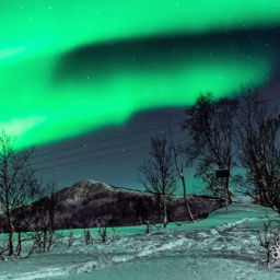 best time to view Northern Lights in Iceland