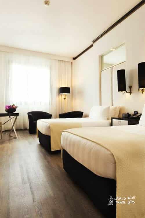 Hotel Melia Milano room