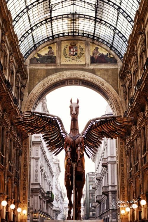 grand galleria vittorio emanuele Statue Milano