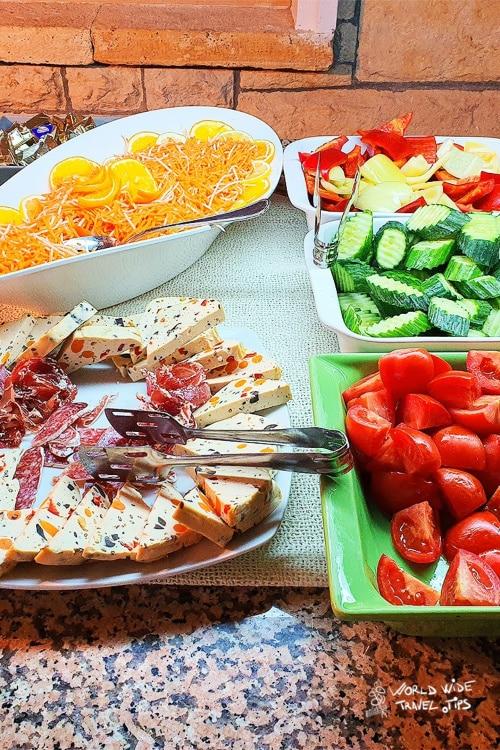 Iaki Hotel Breakfast Food