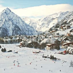 Les Deux Alpes Ski resorts south France