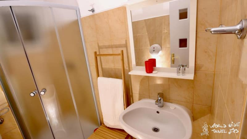 Spot Vama Veche Booking Accommodation Bathroom