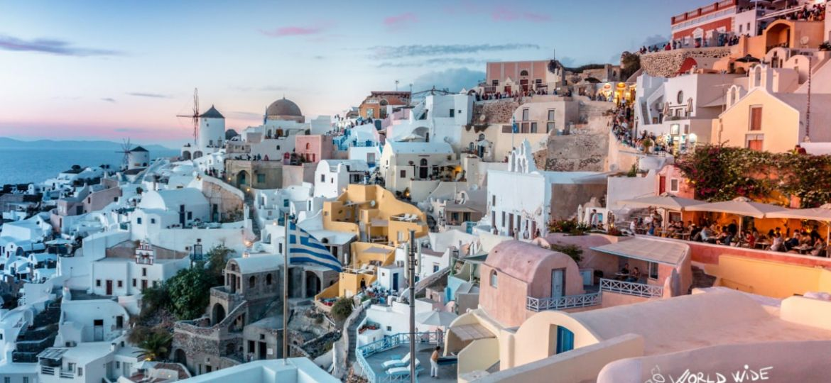 Santorini the best greek island to visit