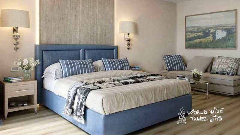 Electra Metropolis Hotel Luxury Room King Size Bed