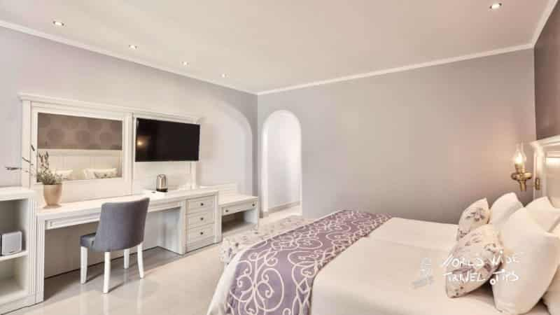 Esperos Village Blue and Spa country Style sea view room with private pool Bed
