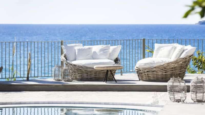 F Zeen Boutique Private Luxury Hotel Pool sunbeds area
