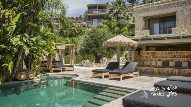 F Zeen Boutique Private Luxury Villa with amazing pool and sunbeds