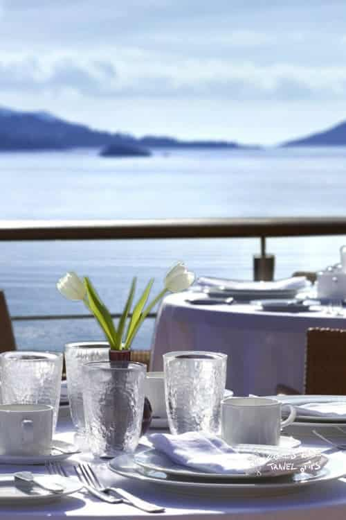 Grand Resort Lagonissi Restaurant breakfast