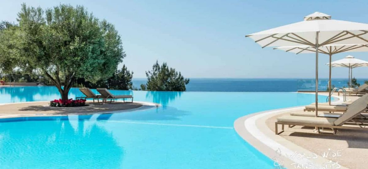 Luxury hotels in Greece all inclusive Ikos Oceania Pool