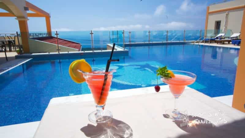 Melmar View Hotel Cocktail by the pool