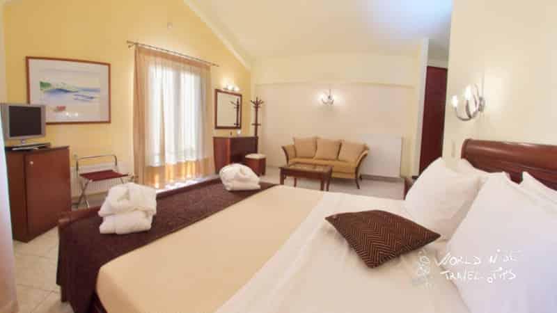 Melmar View Hotel Luxury Room Bed