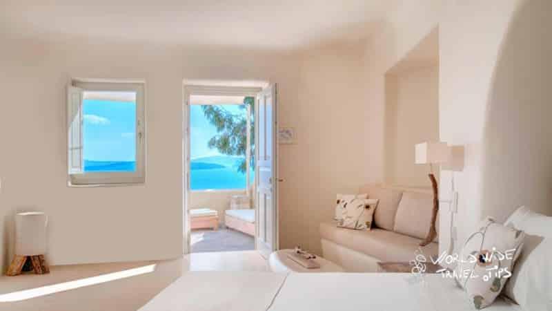 Mystique Hotel Santorini Vibrant Suite