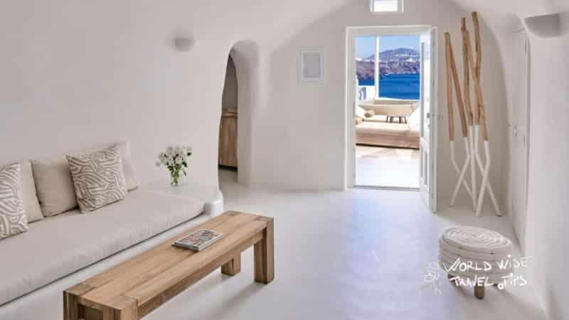 Mystique Hotel Santorini Wet Allure Suite