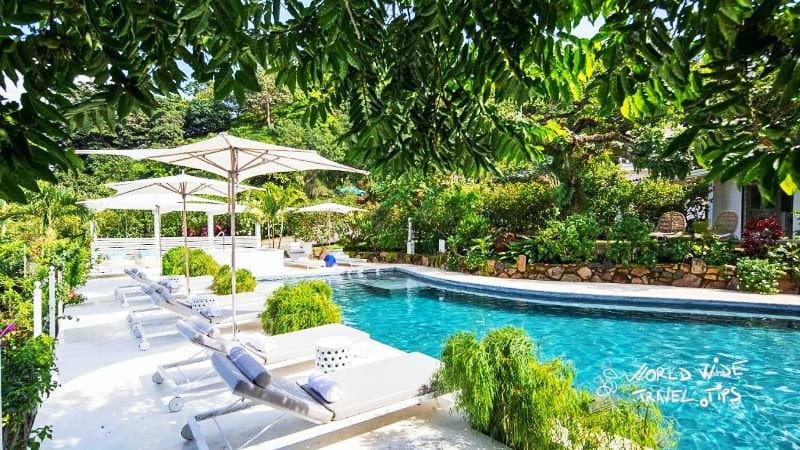 the retreat costa rica pool area