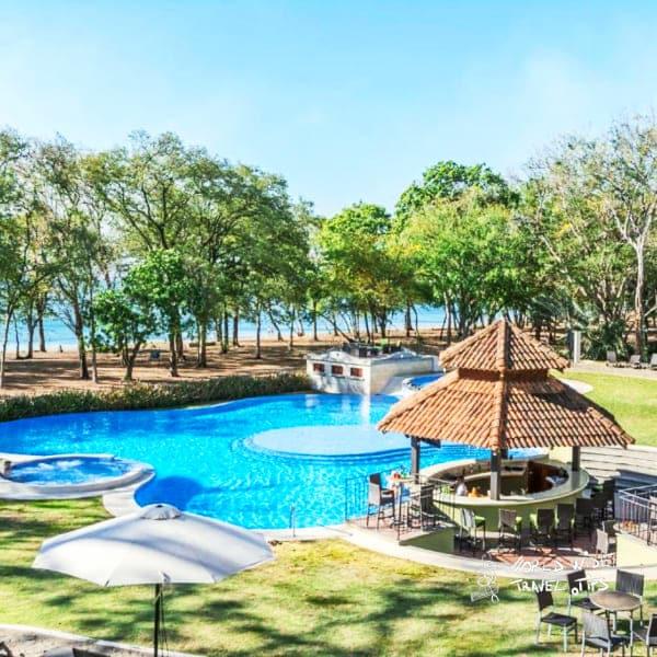Casa Conde Beach Front Hotel pool