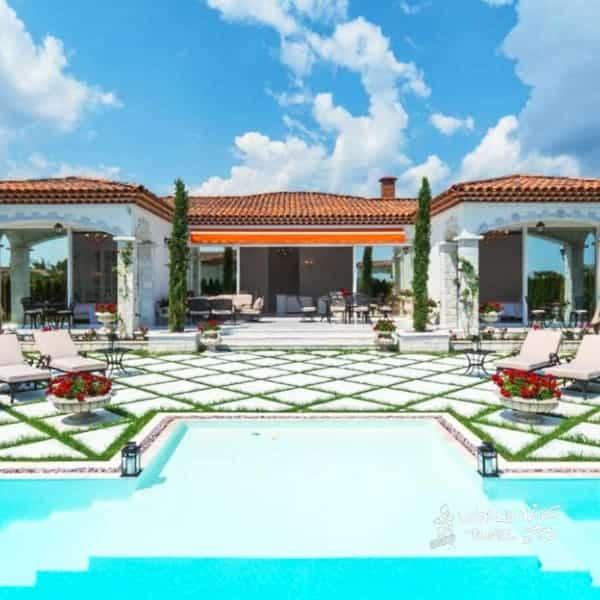 Eden Park Luxury Villas Pool